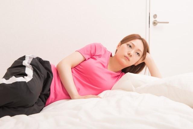 日常生活での良くない姿勢が大きく影響します